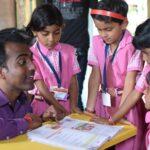 """Un maestro indio ganó el """"Nobel de Educación"""": la historia que lo llevó a consagrarse"""